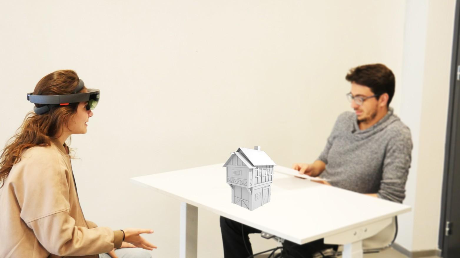 Petite scénette tournée à l'aide d'un casque  de réalité augmentée simulant un objet dans le monde réel.