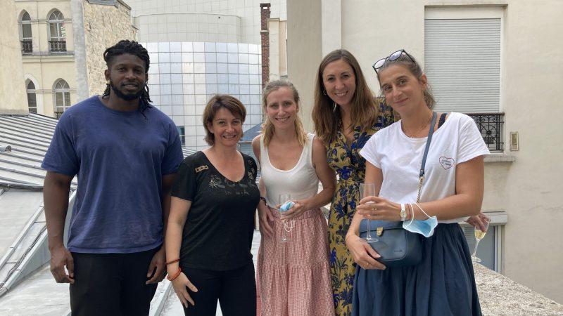 L'équipe de Muses Design (à droite) accompagnée de ses deux facilitateurs Janvier Masters (Makan Fofana et Chrystèle Tomasso)